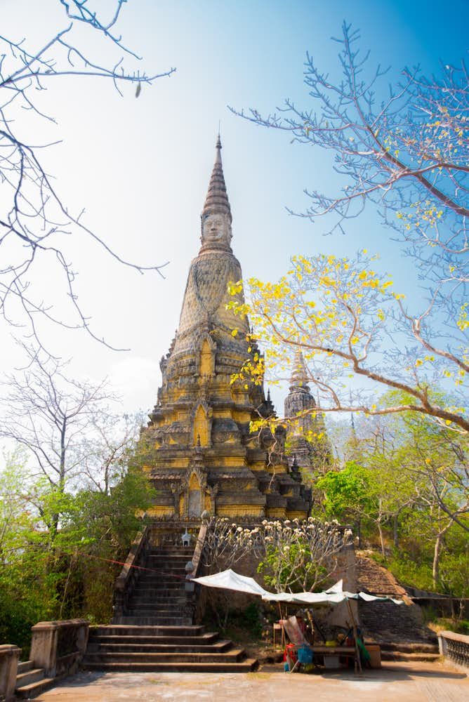 カンボジアでおすすめの観光地は古都ウドン