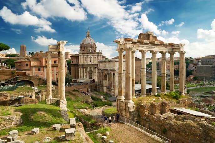 ローマでおすすめの観光地はフォロ・ロマーノ