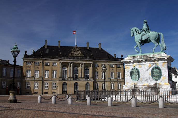 コペンハーゲンでおすすめの観光地はアマリエンボー宮殿