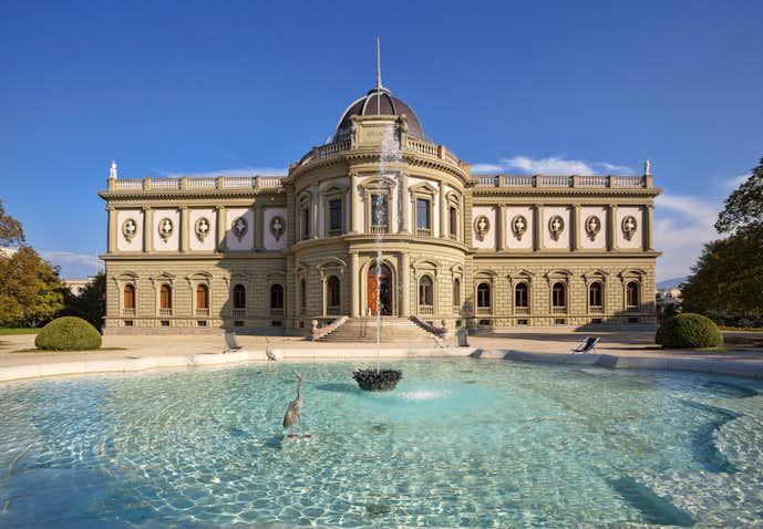 スイスでおすすめの観光地はアリアナ美術館