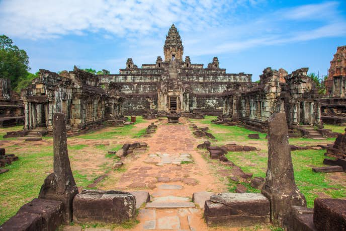カンボジアでおすすめの観光地はバコン寺院
