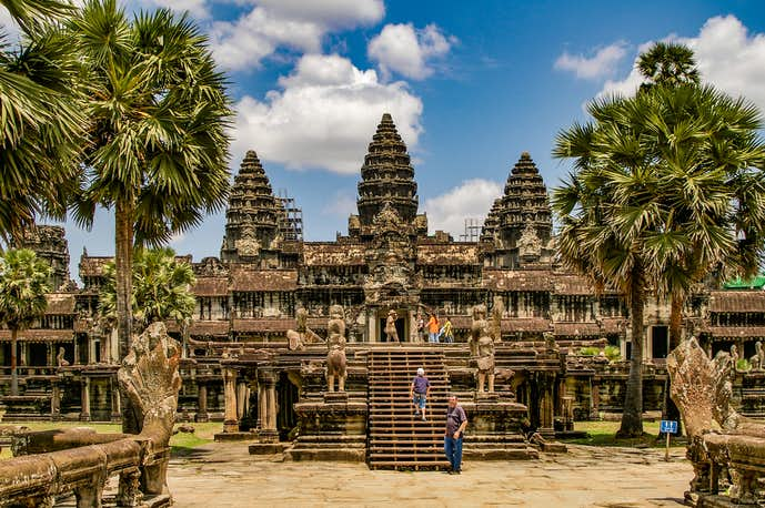 カンボジアでおすすめの観光地はアンコールワット