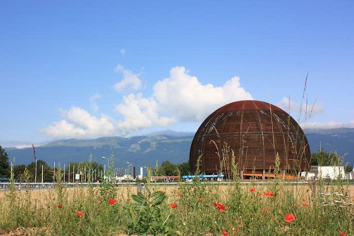 スイスでおすすめの観光地は欧州原子核研究機関(セルン)