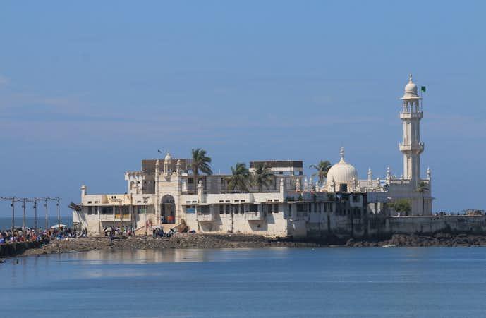 インドでおすすめの観光地はハジ・アリ霊廟