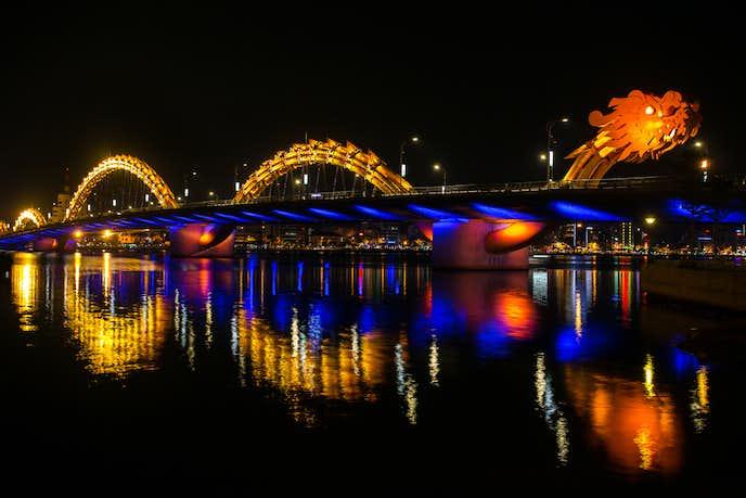ダナンでおすすめの観光地はドラゴン橋