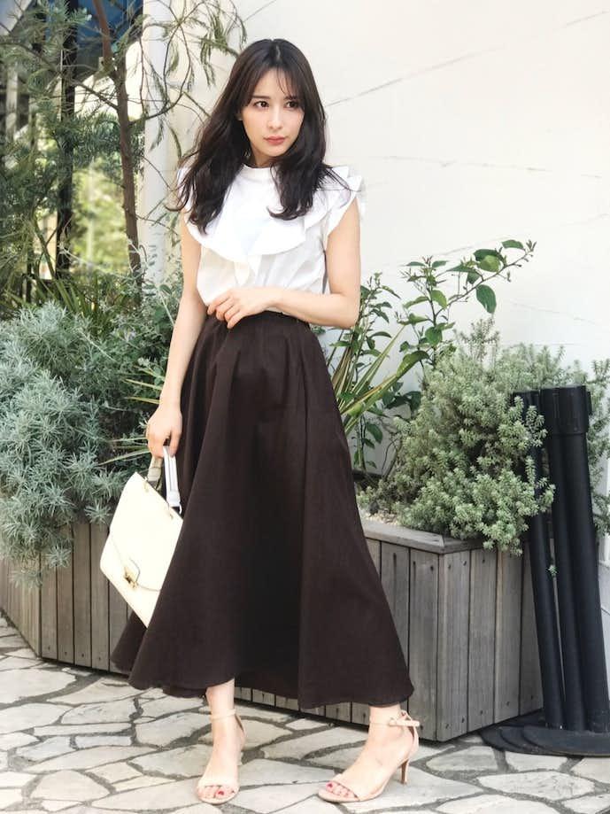 20代女性のお見合いの服装画像1