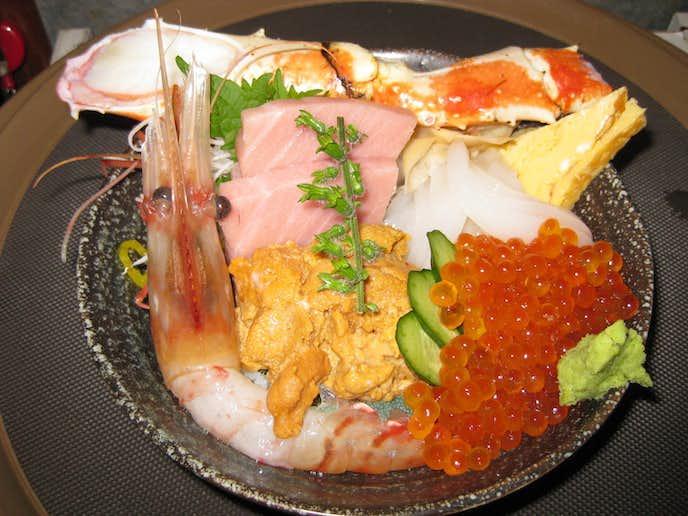 北千住「市場食堂さかなや」の海鮮丼ランチ