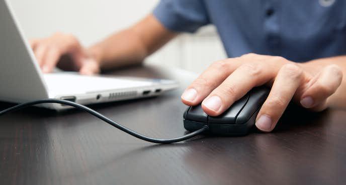 反応の良さを重視するなら有線マウス
