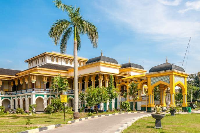 インドネシアでおすすめの観光地はマイムーン宮殿