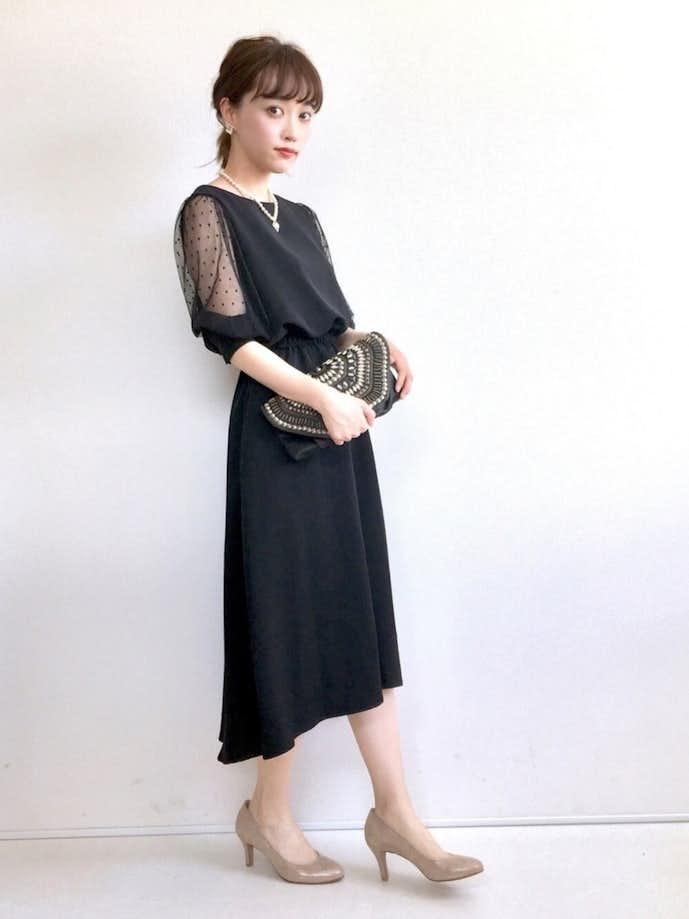 カジュアルな女性のお見合いの服装1