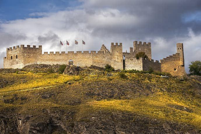 スイスでおすすめの観光地はトゥルビヨン城