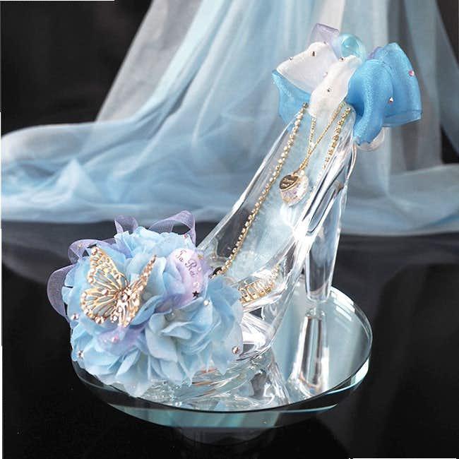 彼女へのクリスマスプレゼントにシンデレラのガラスの靴