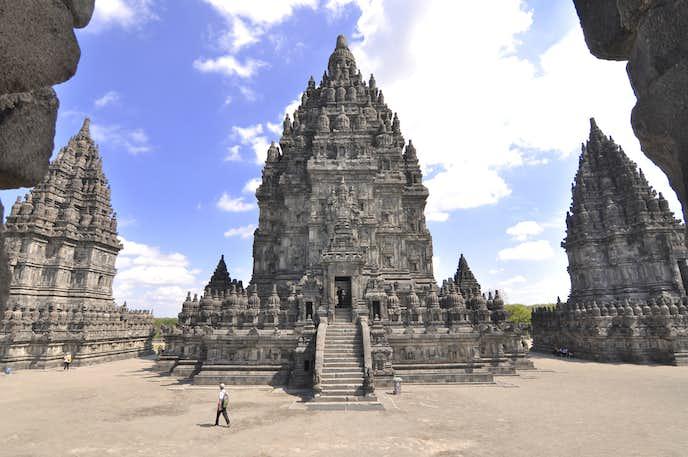 インドネシアでおすすめの観光地はプランバナン寺院