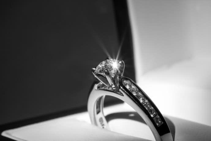 彼女へのクリスマスプレゼントに贈りたい指輪