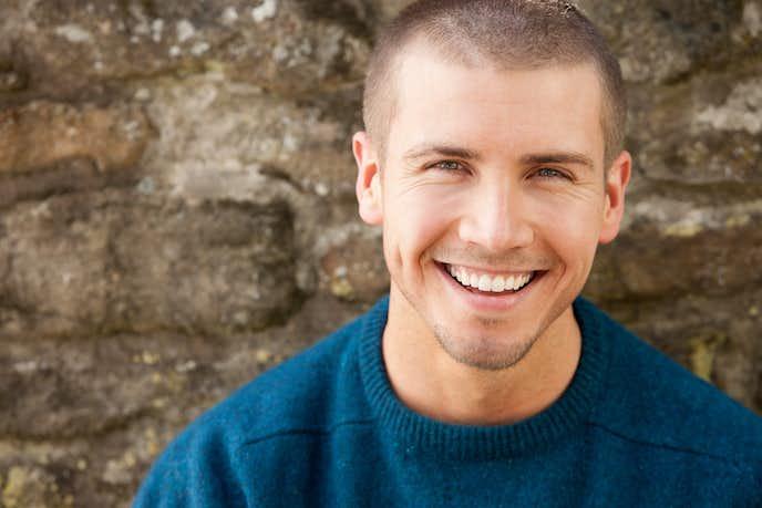 モテる男の特徴で普段クールな人が思いっきり笑顔になった時