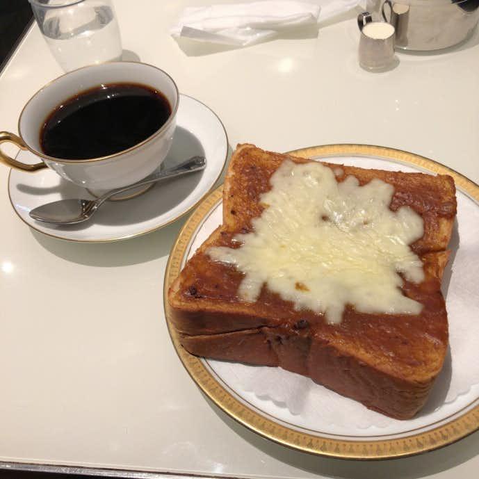 丸福珈琲店のおすすめメニューは丸福カリートーストセット
