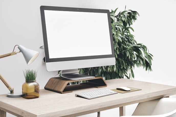 モニター台を使ったデスクトップパソコン