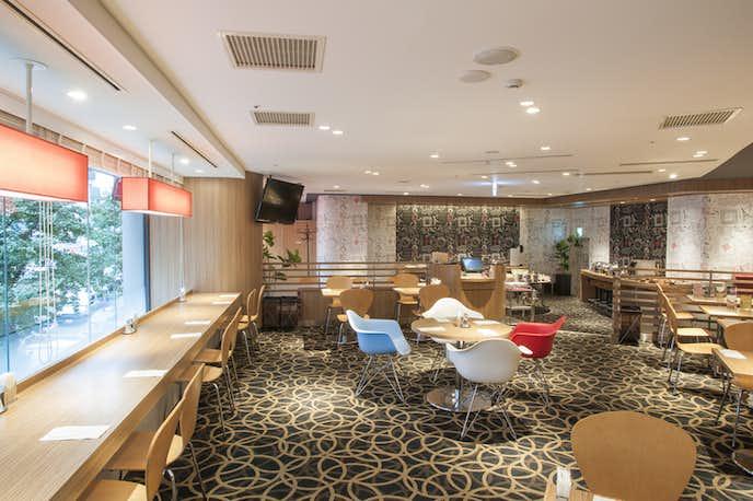 新宿西口のカフェ ランデヴー
