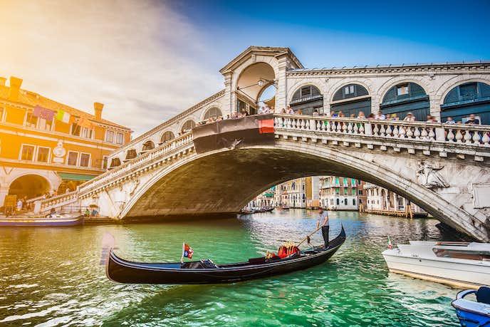 ベネチアでおすすめの観光地はリアルト橋