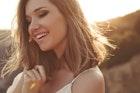 男がうっとりする「色っぽい女性」の10特徴。色気を感じる人の表情や仕草を大公開 | Smartlog