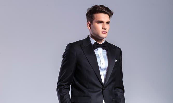 スーツに合う髪型、ツーブロック×オールバック
