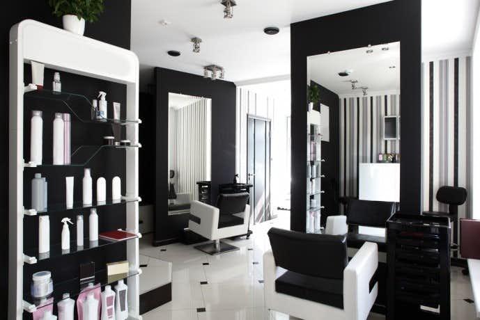 スパイラルパーマは美容院で行うのが基本