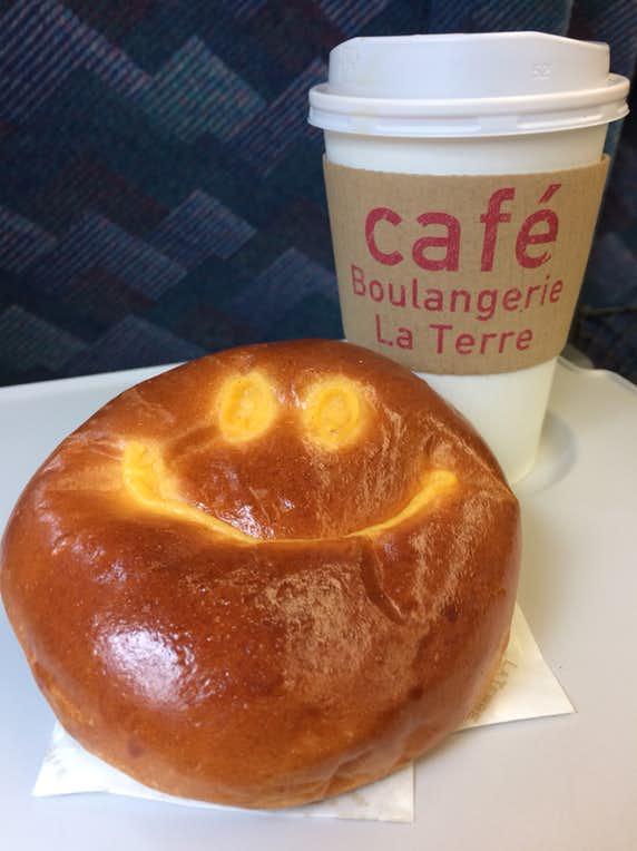 ブーランジェリー ラ・テールのおすすめメニューはしあわせを呼ぶクリームパン