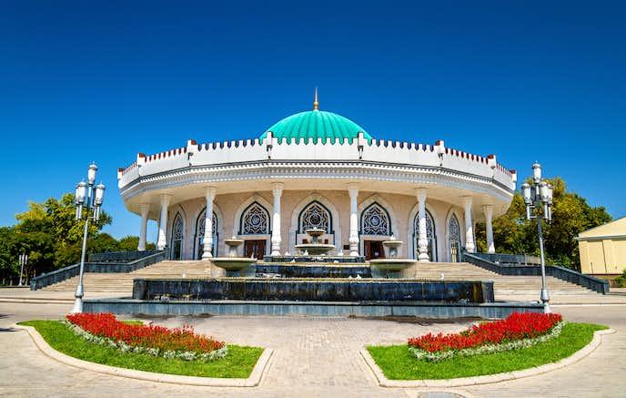 ウズベキスタンでおすすめの観光地はアムール・ティムール博物館