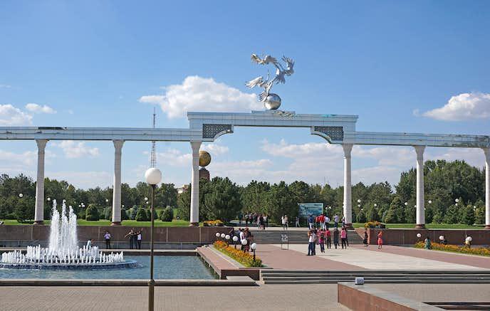 ウズベキスタンでおすすめの観光地は独立広場