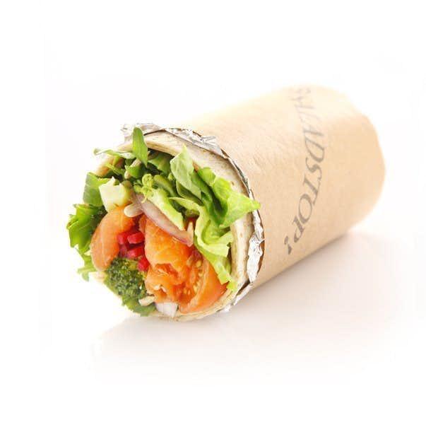 SALADSTOP!のおすすめメニューはラップサラダ