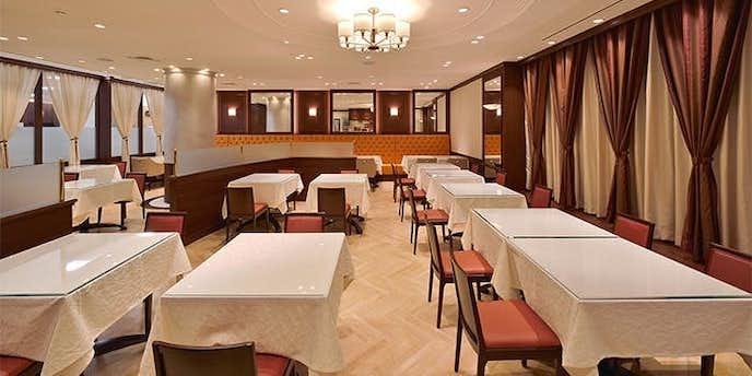上野でおすすめのデートディナーは洋食 銀サロン