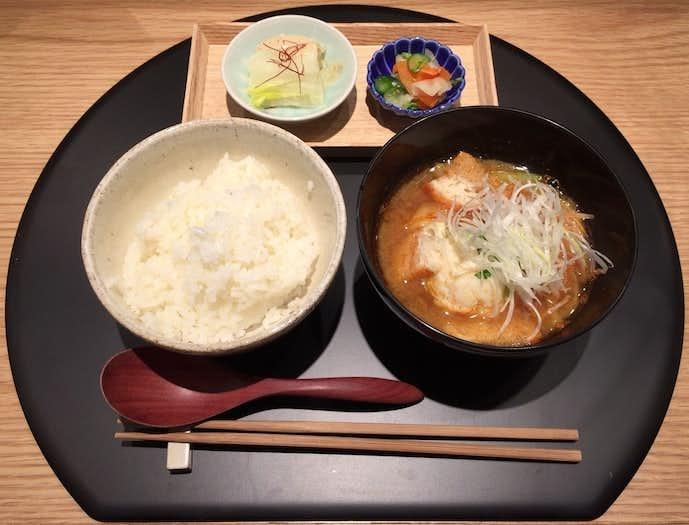 おだし東京のおすすめメニューはオマール海老の味噌汁のセット