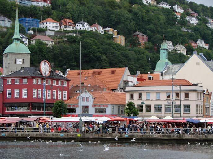 ノルウェーでおすすめの観光地は魚市場