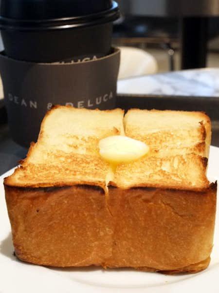 ディーン&デルーカ マーケットストア 品川のおすすめメニューはトーストセット