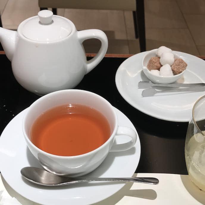 新宿西口のカフェ・トロワグロ