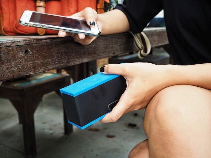 iPhoneにおすすめのスピーカーは有線or無線である