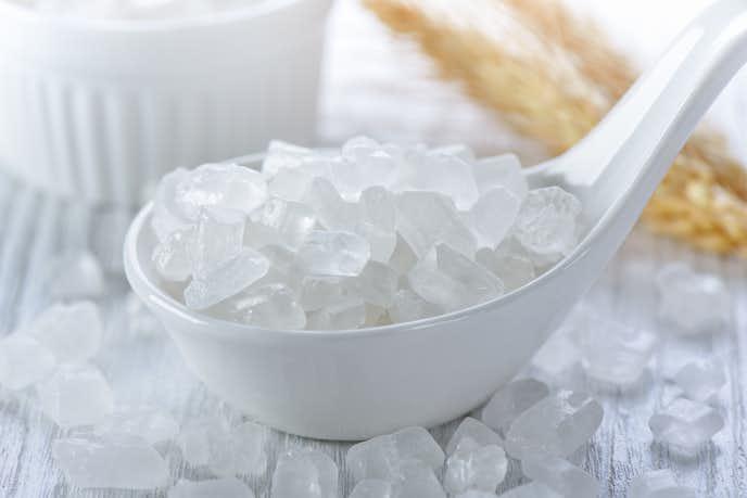 果実酒を作る時は氷砂糖がグラニュー糖を入れる