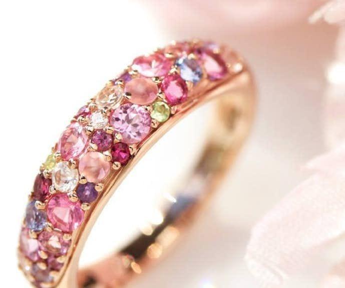 彼女へのクリスマスプレゼントはビズーの桜ブーケの指輪