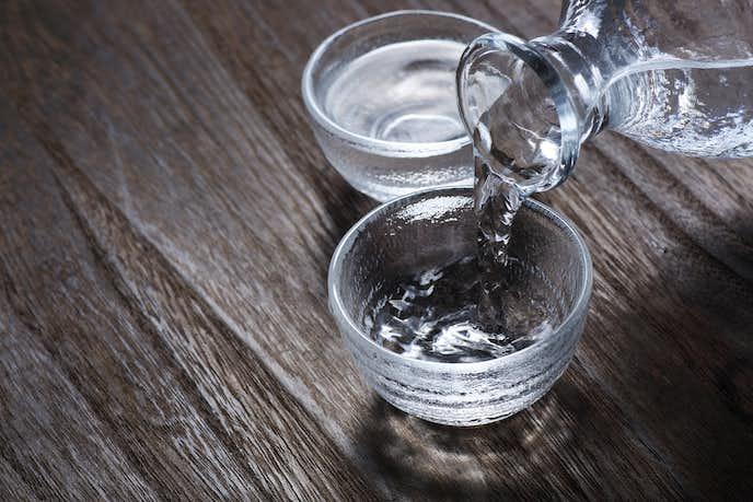 日本酒の飲み方で熱燗や冷酒で飲む