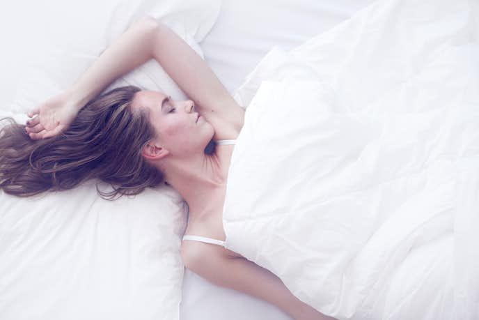 男性が女性が寝ている間にしてること