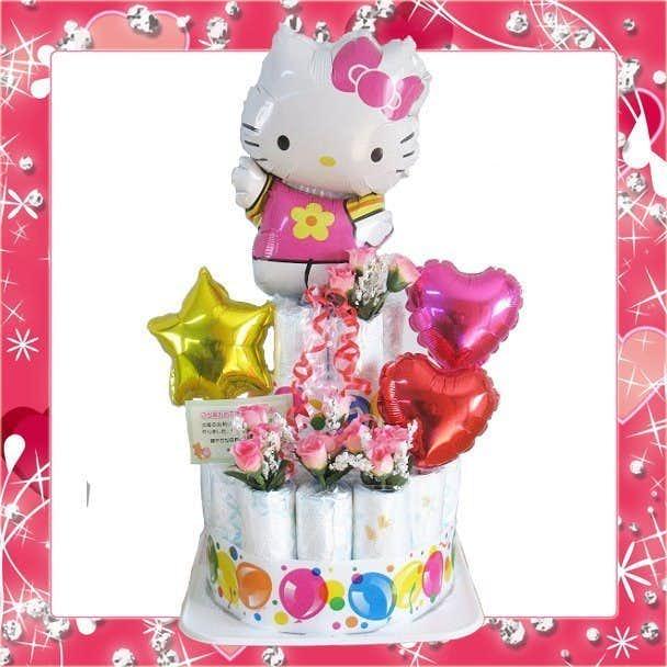 女の子の出産祝いにおすすめのハローキティのおむつケーキ