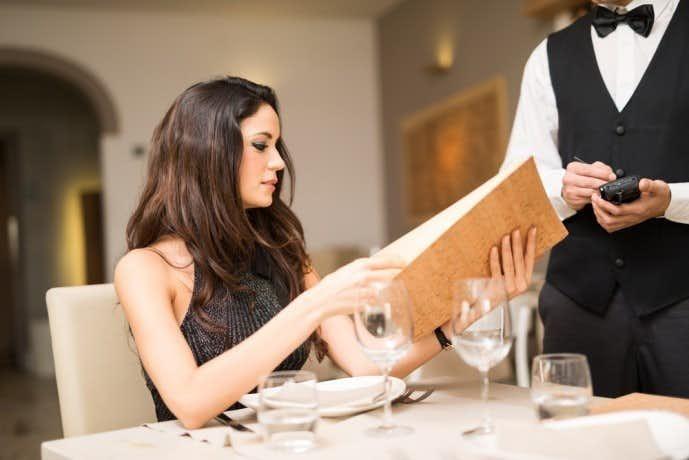 女性好みのレストランをチョイスする
