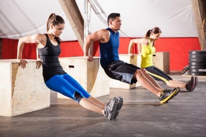 効果的な上腕三頭筋トレーニングを実現するプッシュアップバーの使い方