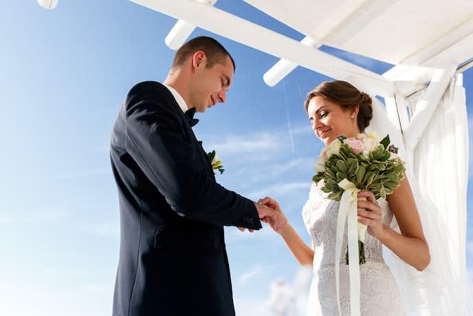 友達が結婚したときに彼女がほしくなる