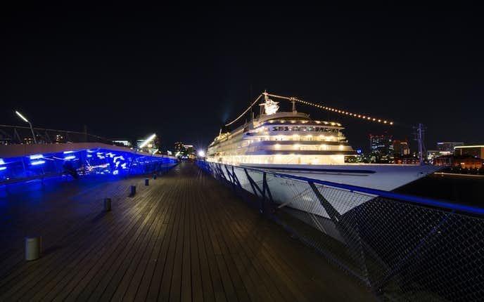 横浜みなとみらいデート大桟橋