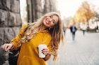 男性&女性に好かれる女の特徴とは。職場の上司にも愛される条件を解説! | Smartlog