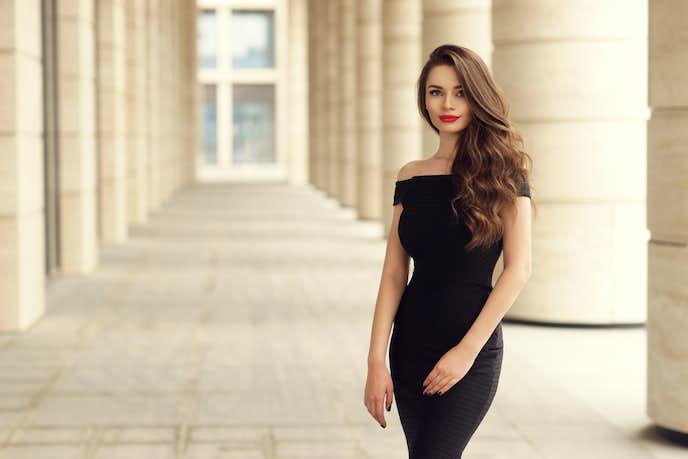 クールビューティーの女性の魅力を大公開