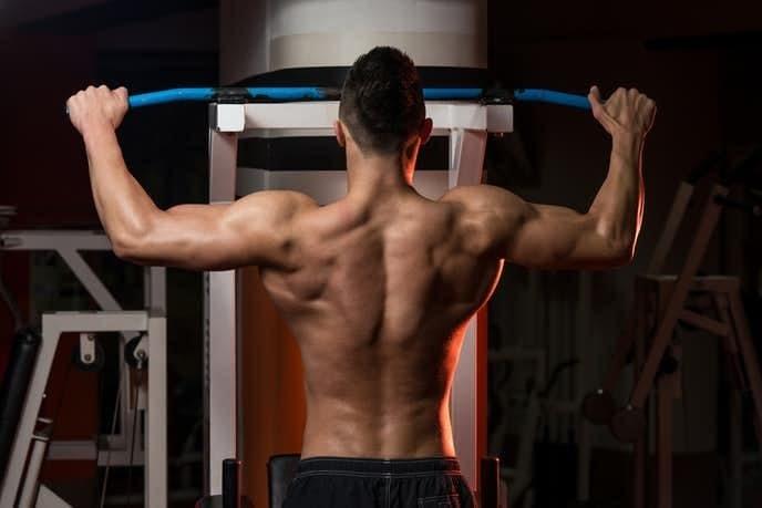 懸垂の効果的なやり方 腹筋など上半身の筋肉を鍛える7種類の筋トレ方法とは?   Smartlog