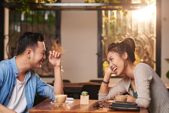 デートの定義とは。男女で意味が変わる「デート」と「遊び」の違い | Smartlog