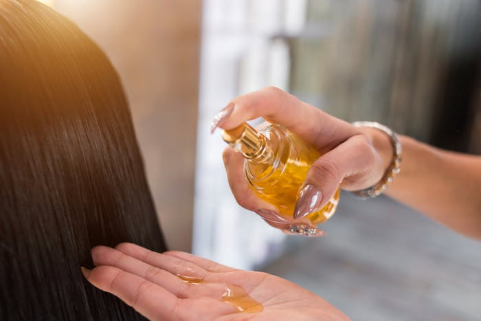 オイル なる が 髪 に サラサラ 髪の毛をサラサラツヤツヤにする方法|トリートメント・オイル…美髪テクをご紹介